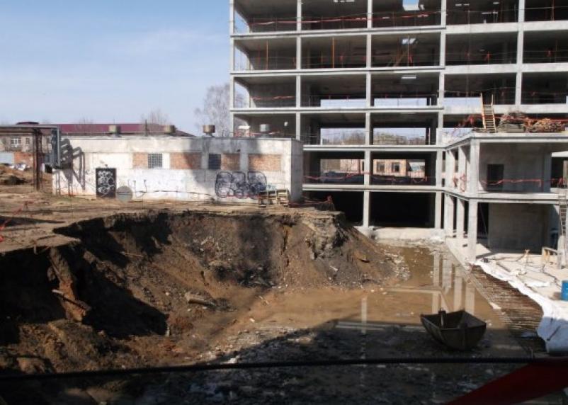 Отставание – вечность. В Смоленске сорваны сроки строительства перинатального центра