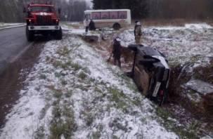 В Ельнинском районе машина опрокинулась в кювет. Есть пострадавший