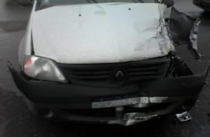 На подъезде к Смоленску произошло ДТП с рейсовым автобусом