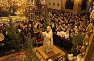 В Смоленске прошло рождественское богослужение. ФОТО