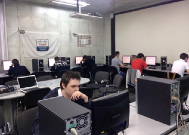 Студент из Смоленска стал победителем международных компьютерных соревнований