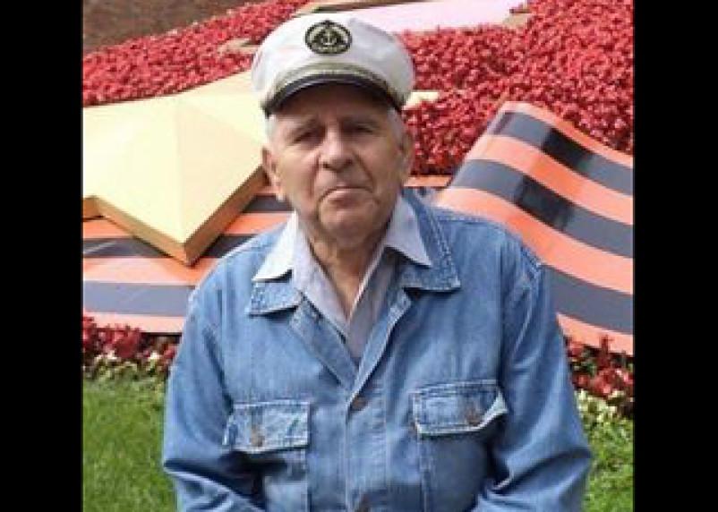 Умер известный смоленский экскурсовод и краевед Николаев
