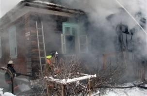 За сутки в огне погибли четыре жителя Смоленщины