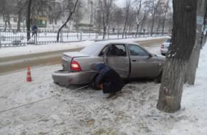 В Десногорске водитель иномарки снес отечественную легковушку