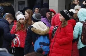 Переполох в 33-й школе. Смоленских учеников эвакуировали