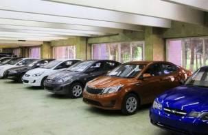 Сотрудник автосалона в Смоленске прикарманил деньги за продажу машин