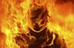 Смолянин заживо сгорел на лестничной площадке