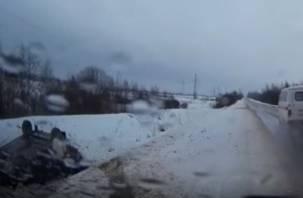В Смоленской области скорая проехала мимо ДТП с пострадавшими (видео)