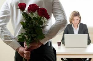 Что чаще всего дарят смолянкам мужчины с работы на 8 марта