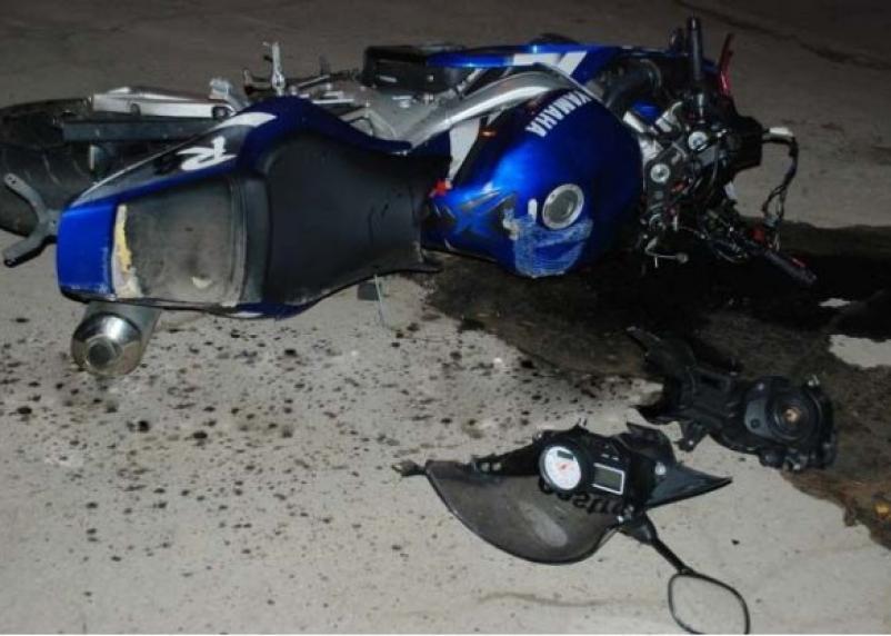 В Смоленской области внедорожник протаранил мотоцикл