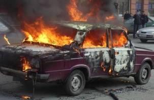 В Смоленске сгорели сразу два ВАЗа