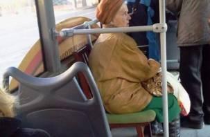 В смоленском автобусе пострадала пожилая пассажирка