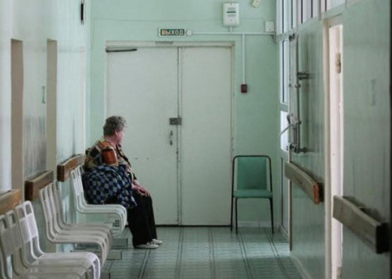 Смолянка умерла в больнице и всю ночь «просидела» у дверей врача