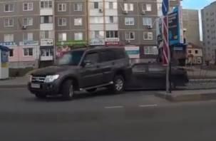 В Десногорске легковушка протаранила внедорожник (видео)