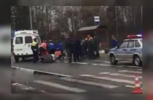 В Смоленском районе на трассе фура сбила женщину с ребенком