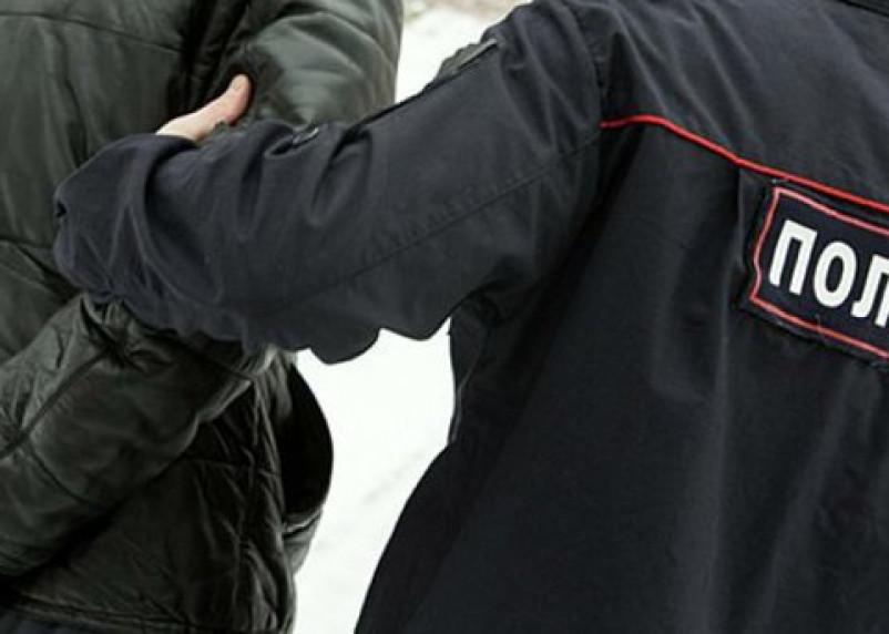 В Десногорске мужчина набросился с кулаками на полицейского