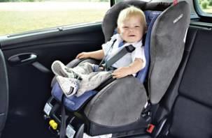 Верховный суд России разрешил перевозить детей в машине без автокресла