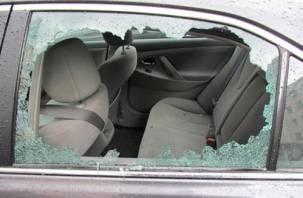 В Смоленской области на охраняемой стоянке обокрали автомобиль