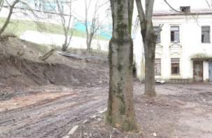 После жалоб смолян власти убрали свалку на Соборном холме
