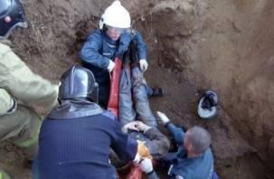 Из-за сотрудницы «Смолавтодора»  рабочих засыпало в траншее