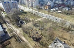 Улица Шевченко в Смоленске опять превратилась в мусорку