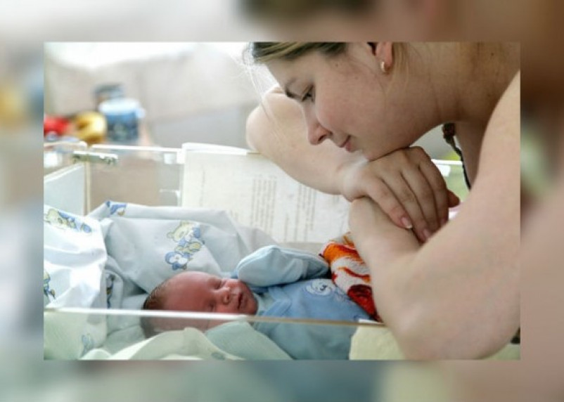 Смолянки стали чаще выходить замуж и меньше рожать
