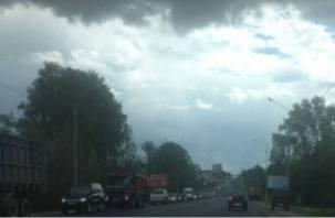 На Рославльском шоссе в Смоленске образовалась огромная пробка