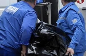 В Смоленске в заброшенном здании обнаружен труп мужчины