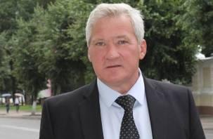 Главный смоленский «яблочник» рассказал, зачем его коллега нахваливал губернатора