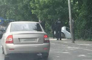 В Смоленске попала на видео «летящая» в кювет машина без водителя