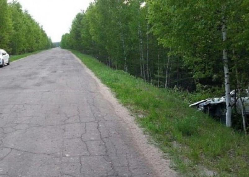 На Смоленщине водители легковушки и квадроцикла оказались в кювете