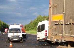 Мужчина и подросток погибли в страшной аварии под Гагарином