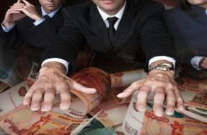В Смоленске бывший директор ТСЖ потратил деньги компании на бассейн и спортзал