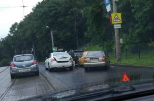 В Смоленске произошло ДТП с четырьмя автомобилями