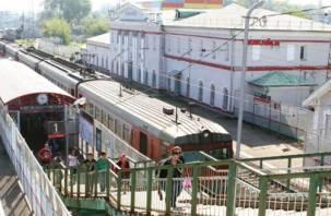 Смоленский машинист решил в одиночку прокатить пассажиров на поезде