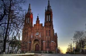 В Смоленске продолжается сбор подписей за восстановление костела. Желающих что-либо изменить – всё меньше?