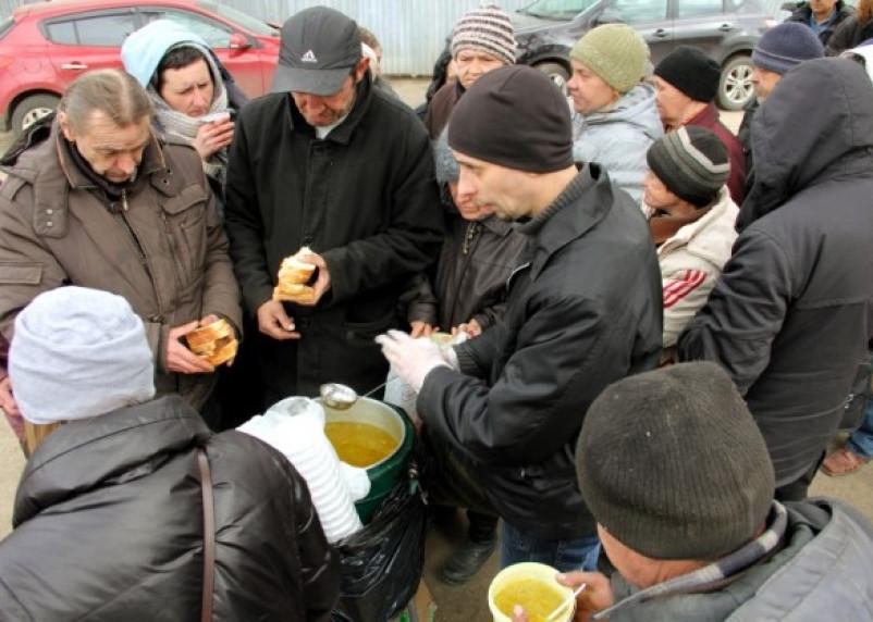 Столовая для бездомных в Смоленске обретет крышу над головой