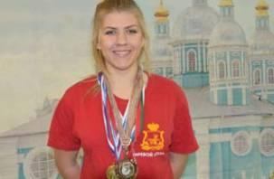 Красивая и сильная смолянка стала чемпионкой Европы по гиревому спорту
