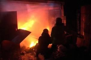 В Сети появились фото последствий мощного взрыва в Смоленске: пострадали двое