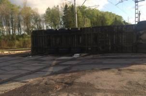 В Смоленской области фура выехала на железнодорожные пути