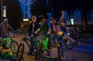 В Смоленске прошел первый ночной велопарад