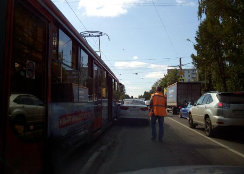 ДТП парализовало движение трамваев в Смоленске