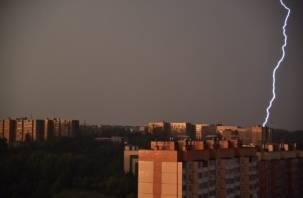 В Смоленске снова разгулялась стихия: фоторепортаж с улиц Смоленска