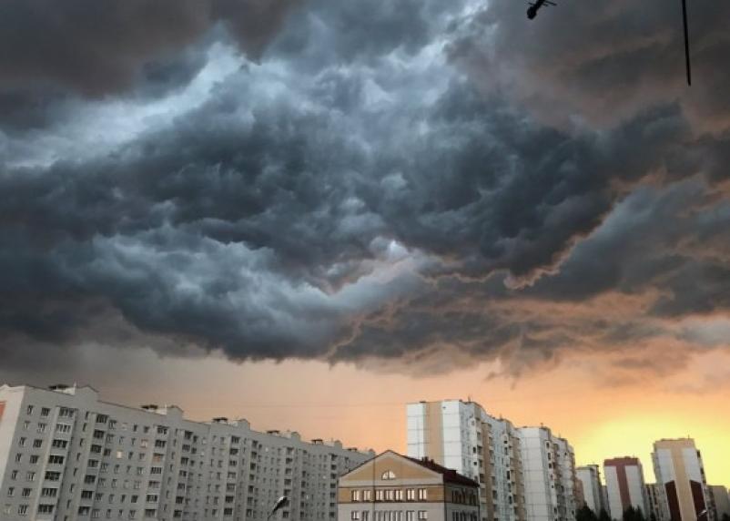 Смолян предупреждают о грозе в дождливую пятницу