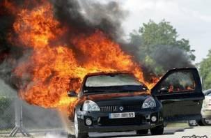 В Смоленске на ходу загорелась иномарка
