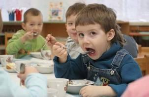 Детей в Крыму накормили смоленским фальсификатом