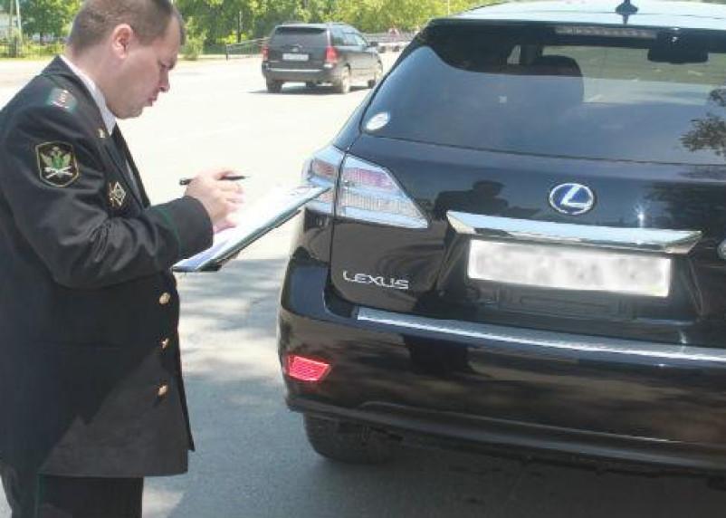 Смоленский алиментщик «сдался» после ареста автомобиля