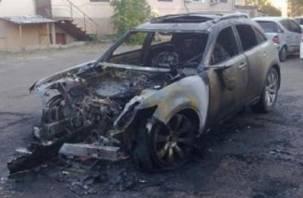 В Смоленской области сгорели две иномарки