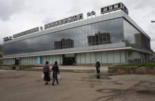 Смоленские чиновники заметили опасную площадку возле ЦУМа