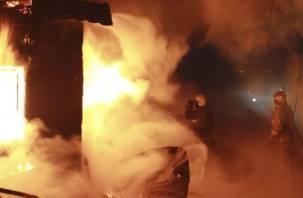 На Смоленщине в горящем доме погиб мужчина